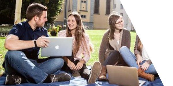 Lernen und Arbeiten | Dualstudium im Verlag
